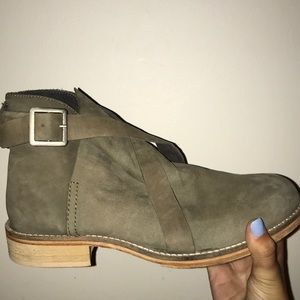 FREE PEOPLE boots/barley worn